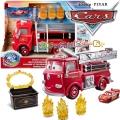 Cars Disney Пожарникарски камион и количка с променящ се цвят GPH80